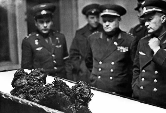 Restos de Vladimir Komarov [Fuente: Ria Novosti/Photo Researchers Inc. via NPR]